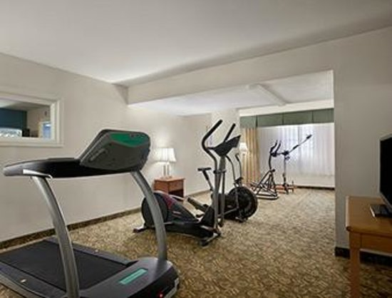 Days Inn & Suites Grand Rapids/Grandville: Fitness Room