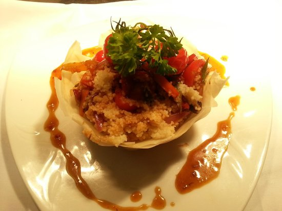Ard na Breatha Restaurant: Vegetarian option - Filo Pastry nest with a Mediteranean Style Cous Cous and Soy Sauce