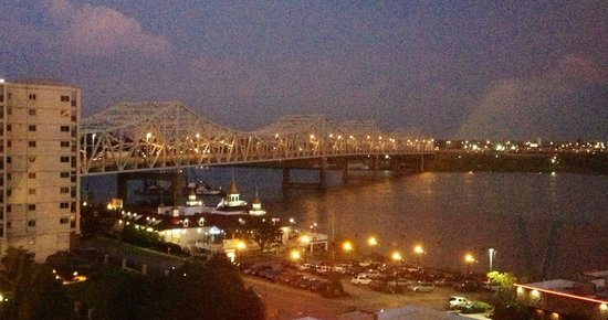Sheraton Louisville Riverside Hotel: View of the river from our room