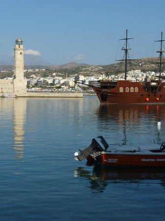 Minos Hotel: Rethymnon Harbour