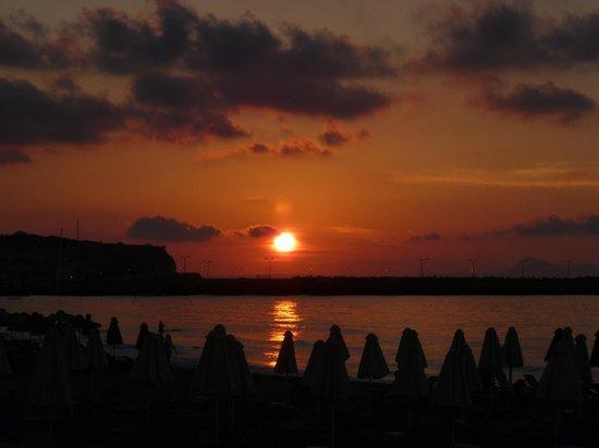 Minos Hotel: Sunset