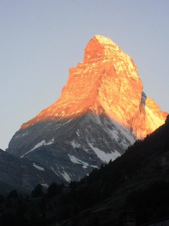 Sunstar Style Hotel Zermatt : Der Blick aus dem Hotelzimmer um 06,15 Uhr