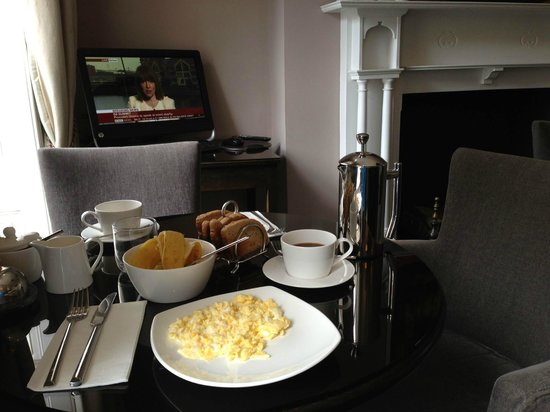 Montagu Place Hotel : Home breakfast