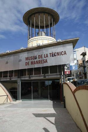 Museo de la Técnica de Manresa: El exterior del Museo