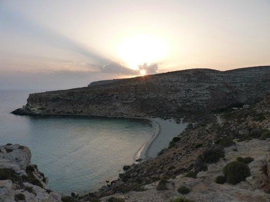 Isola dei Conigli: Vista al tramonto completamente vuota
