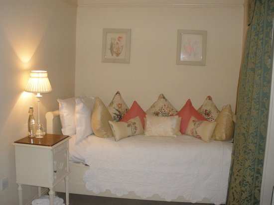 Conyngham Arms Hotel: The extra bed in the room which was open plan but separate giving privacy