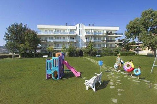 Il grande Giardino del Residence Brezza di Mare