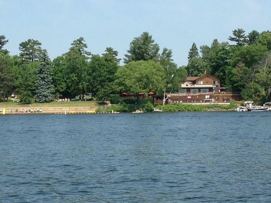 Ruttger's Bay Lake Lodge: Ruttger's Lodge from Bay Lake