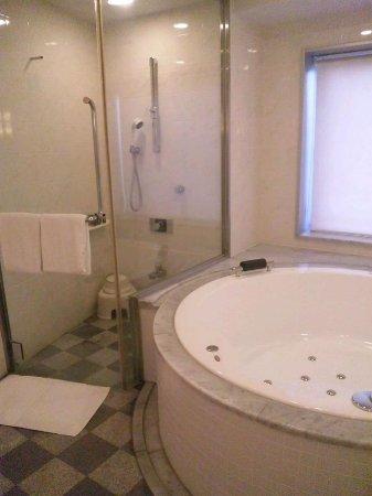 Hotel Emion Tokyo Bay: グレードアップして取った客室内のお風呂も最高!