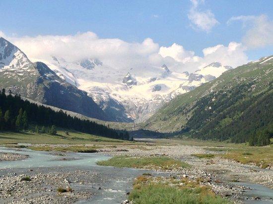 Hotel Roseg Gletscher: Aussicht von der Terasse