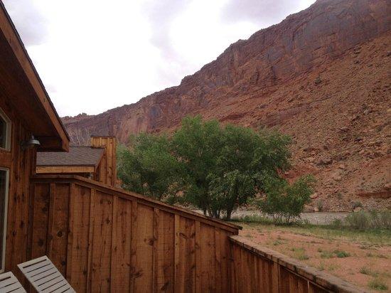 Red Cliffs Lodge: Vista do chalé para os Red Cliffs e o Colorado River