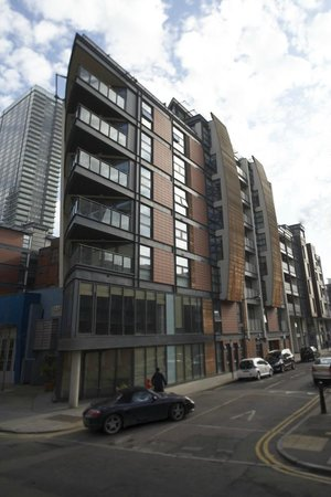 Marlin Apartments Canary Wharf exterior - Picture of ...