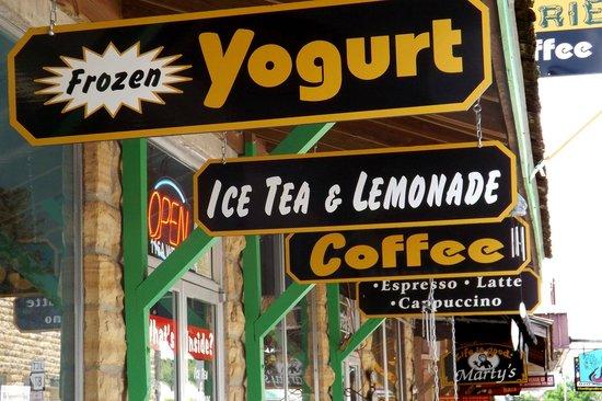 Moo Moo's Yogurt Bar
