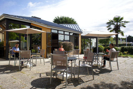 Ibis Angouleme Nord : Terrasse
