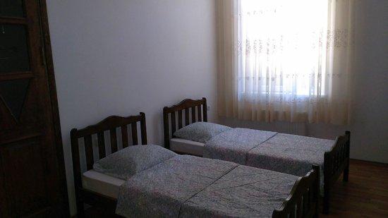 Room 404: Zimmer fur 3 Personen