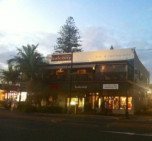 Balcony Bar & Oyster Co : afternoon walk in Byron Bay