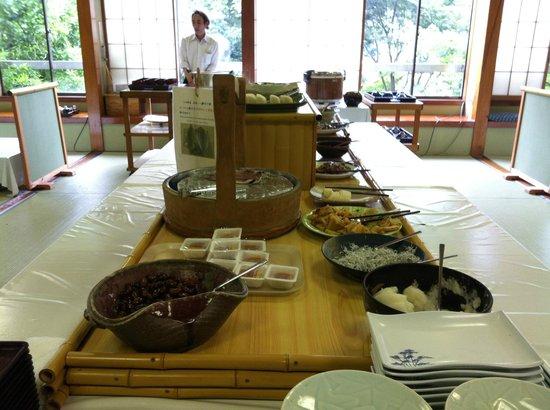 Shunkoso: Selection of Japanese food at breakfast buffet