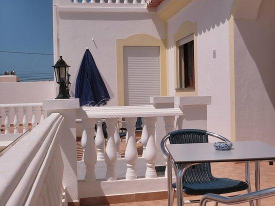 Residencia Quinta do Poco: Balcony - Residencia Quinta do Poço - Rooms and Apartments