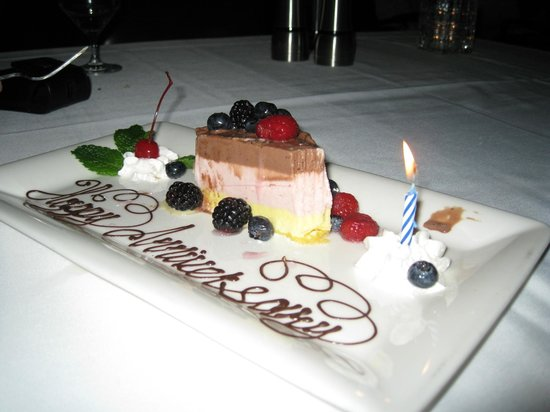 Atlantis Steakhouse at Atlantis Casino Resort Spa: Dessert given by our wait staff.