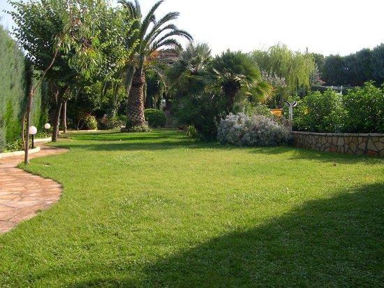 Residence dei Normanni: Giardino