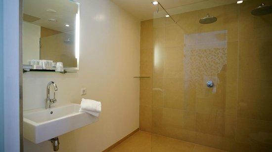 Hotel Corps de Garde: Badkamer Comfort kamer