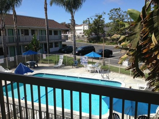 Motel 6 Pismo Beach: over looking the pool