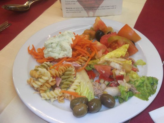 Hotel Neptuno & Apartments: ужин. салат