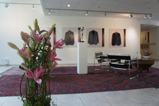 The Diaghilev, LIVE ART Boutique Hotel: Живые цветы