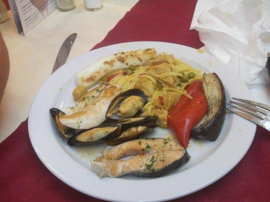 Hotel Neptuno & Apartments: ужин