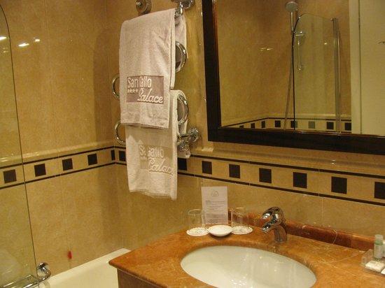Hotel San Gallo Palace: Baño