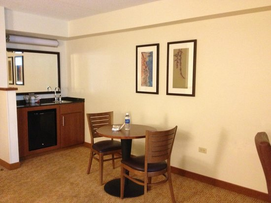 Hyatt Place Chicago/Schaumburg: As you can see - very, very outdated