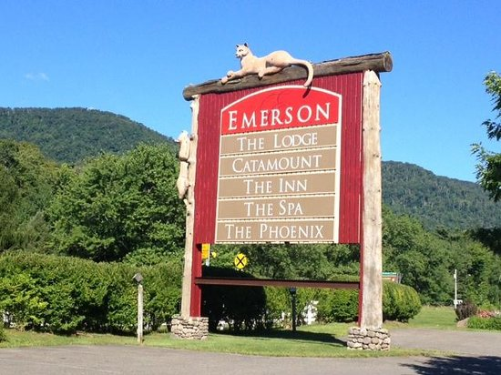 Emerson Resort & Spa: Front sign