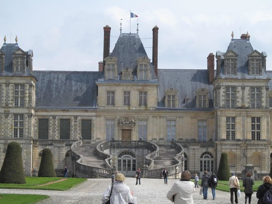 le grand escalier de napol on picture of chateau de fontainebleau fontainebleau tripadvisor. Black Bedroom Furniture Sets. Home Design Ideas