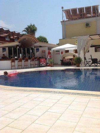 Orange Butik Hotel: Orange Hotel Pool 2
