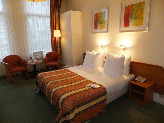 Hotel Aalders: Spacious room