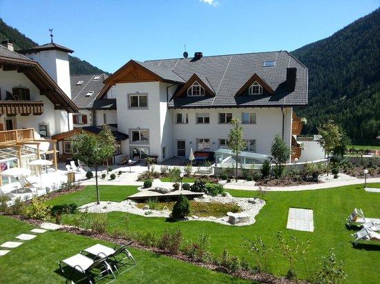 Hotel Masl: Solarium della piscina