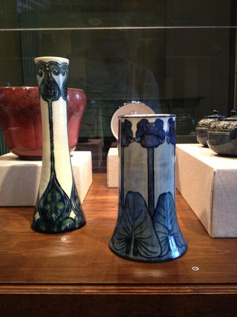 Madame John's Legacy: Newcomb Pottery Vases