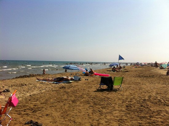 Les Ayguades: Plage du camping