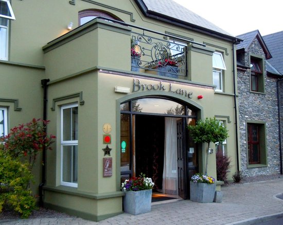 Brook Lane Hotel: Main Entrance of the Brook Lane