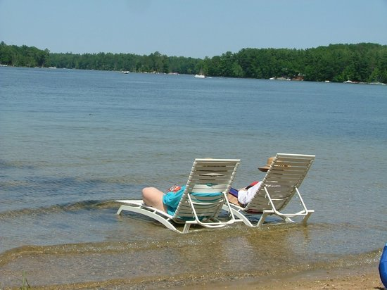 Harold's Resort at Spider Lake : Sandy Beach on the Point of our Private Peninsula