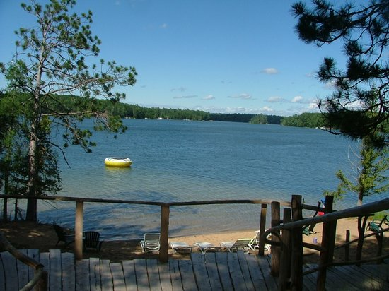 Harold's Resort at Spider Lake : Spider Lake and Beach
