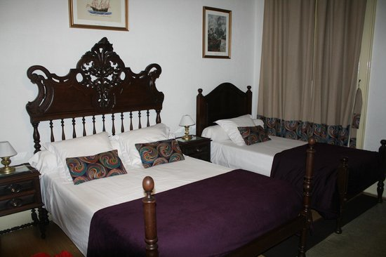 Alvares Cabral Guest House: Our room