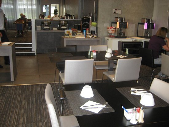 Novotel Lille Centre Grand Place : Breakfast Buffet2 -Seating area