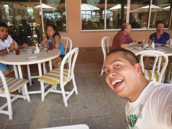 Crown Paradise Golden Resort Puerto Vallarta: Insisto solo gente mayor en el hotel