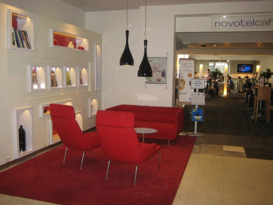 Novotel Lille Centre Grand Place : Lobby seating area