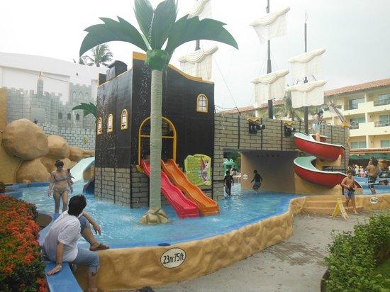Crown Paradise Golden Resort Puerto Vallarta: Parece Tepetongo