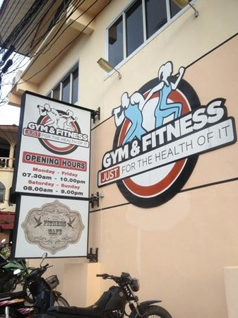 Koh Tao Gym & Fitness: Outside of the gym.