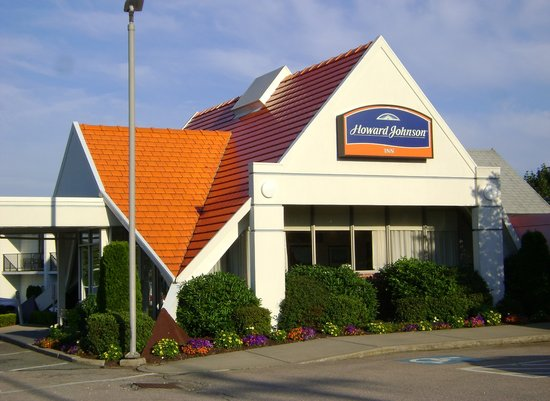 Howard Johnson Middletown Newport Area : The iconic orange roof! 8.3.13