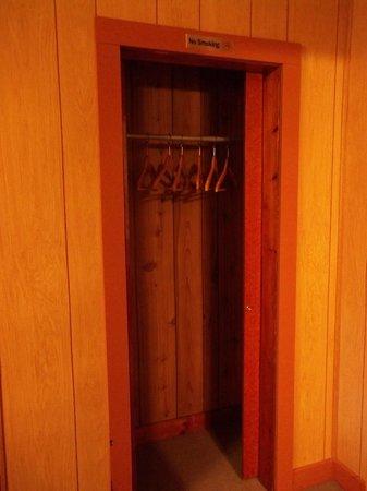 Boidi Motel: This closet was huge