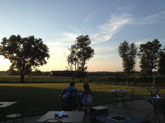 Jean Farris Winery & Bistro: Beautiful sunset